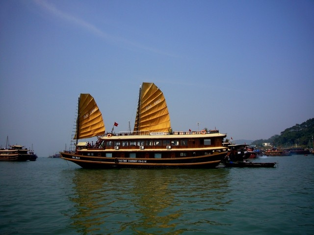 Halong Cruises 2Days 1night