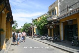 Travel Vietnam: Hanoi-Saigon