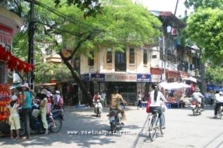 Vietnam Package Trips: Hanoi-Saigon