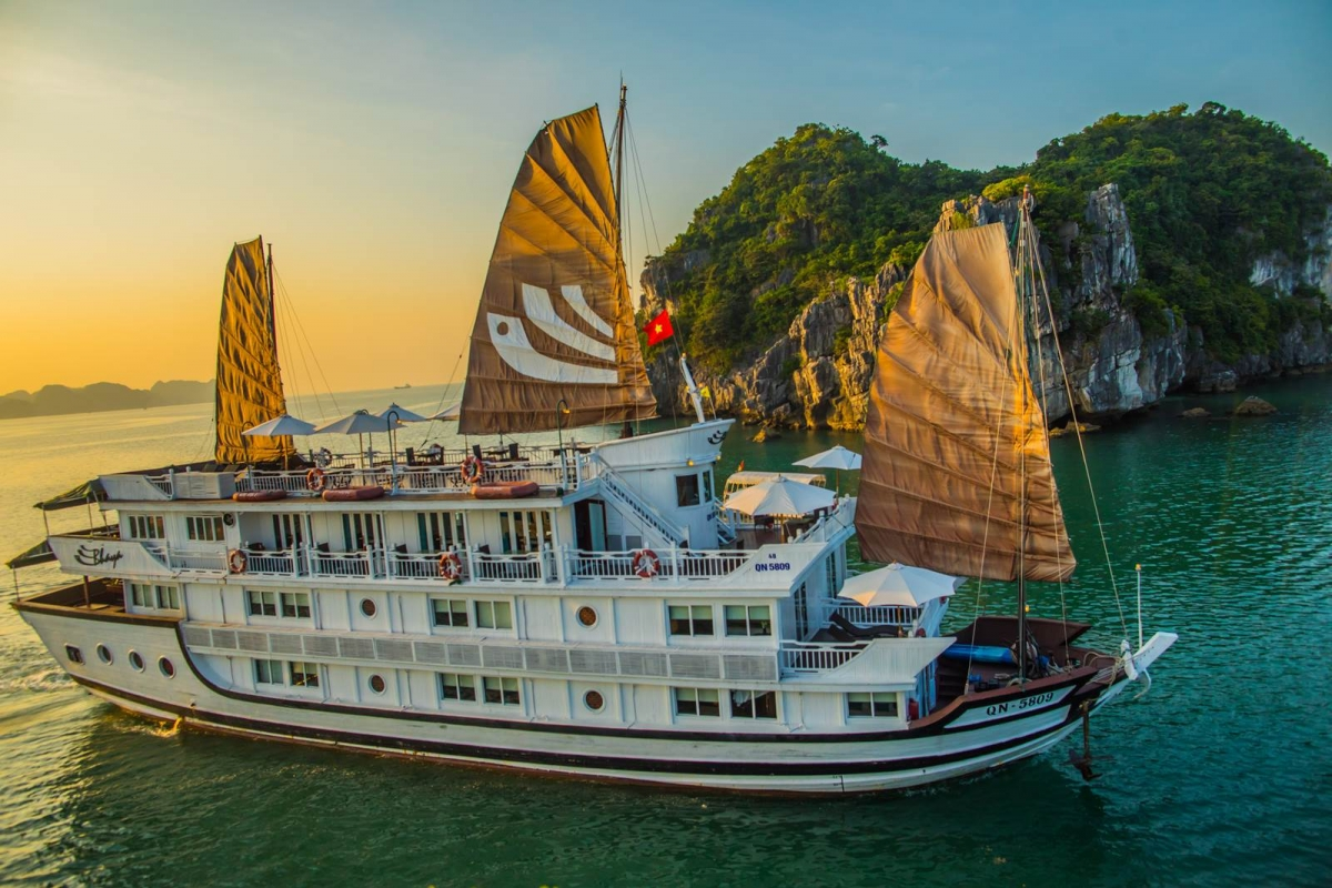 Halong chartered cruise -  3days 2night